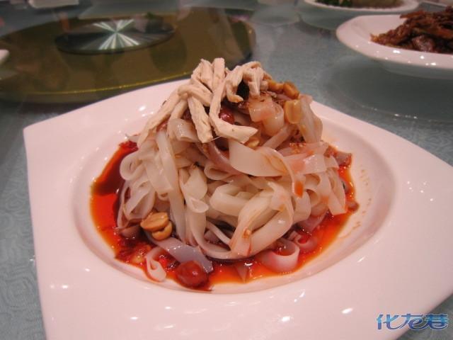 冷面探店-龙城火锅荞麦,很好吃哦! 德天肥牛-化吃宝贝美食会胖吗图片
