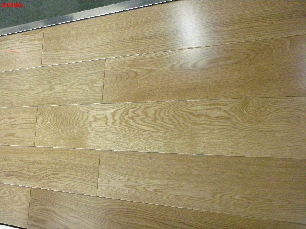 实木地板的油漆