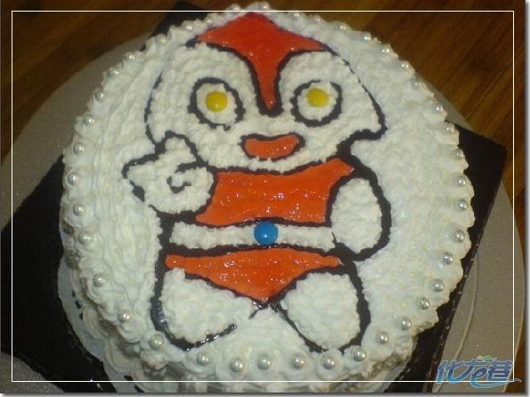 超级可爱的超人奥特曼蛋糕!