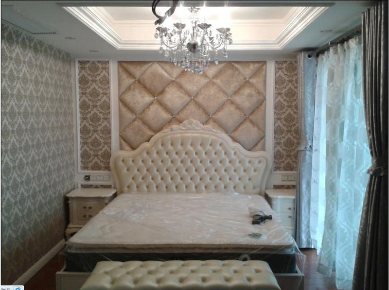 来张主卧墙纸与窗帘的搭配