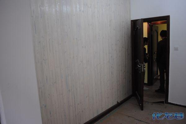 电视背景墙用木板做怎么样啊?有人这样做吗?