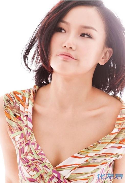 素颜女神王丽坤被爆料是由于新剧与《星跳水立方》