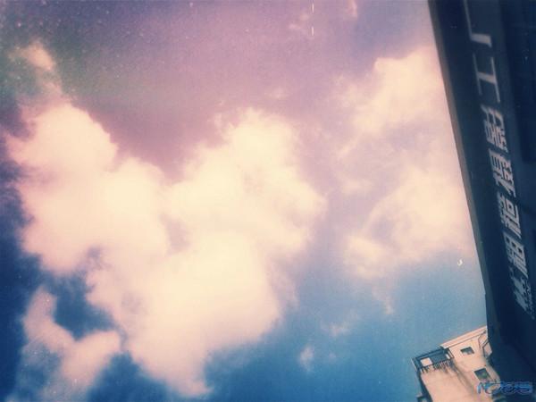 45度角仰望天空,惊现祥瑞!话不多说